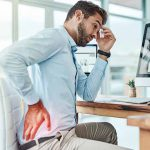 Berbagai Penyakit Yang Mengintai Pekerja Kantoran - Batu Ginjal