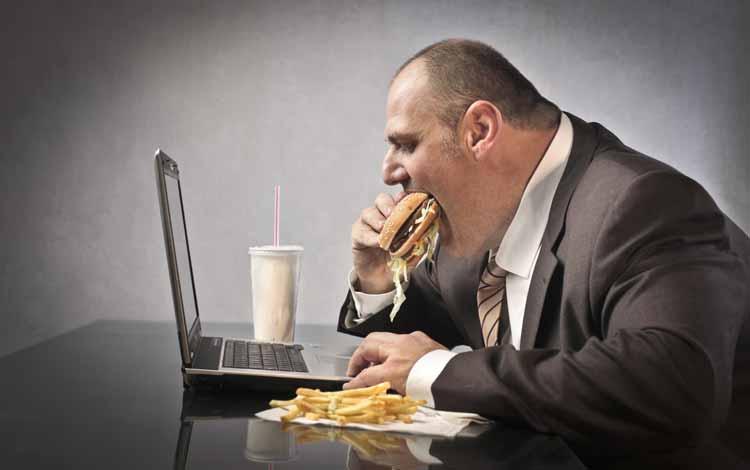 Berbagai Penyakit Yang Mengintai Pekerja Kantoran - Obesitas