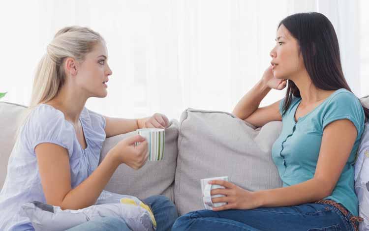 Cara Menyikapi Situasi Saat Kamu Dan Sahabatmu Menyukai Orang Yang Sama - Saling Terbuka
