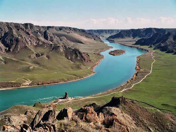 Daftar Danau Terbesar Di Dunia Yang Membuatmu Takjub - Danau Balkhash