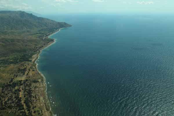 Daftar Danau Terbesar Di Dunia Yang Membuatmu Takjub - Danau Tanganyika