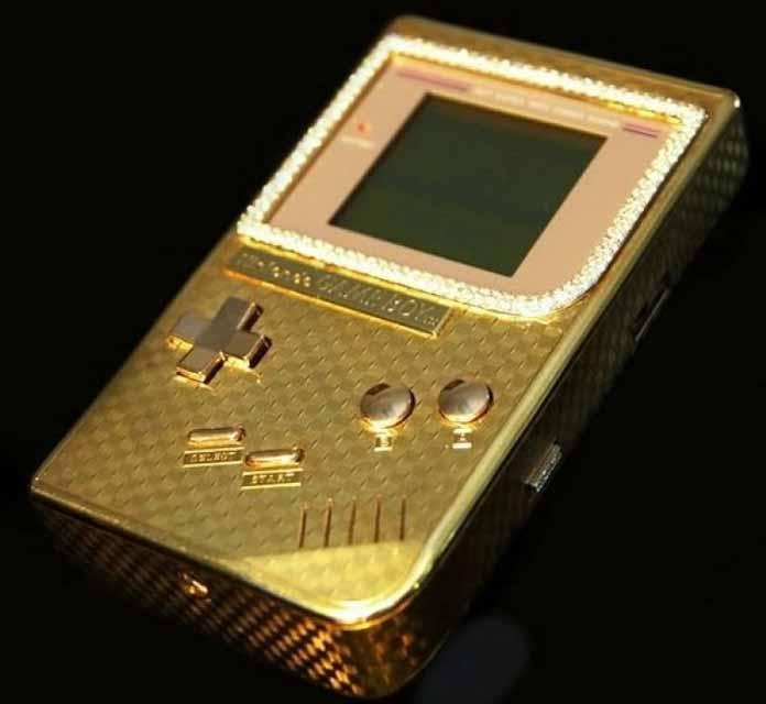 Daftar Mainan Termahal Di Dunia - Gameboy Lapis Emas Dan Berlian