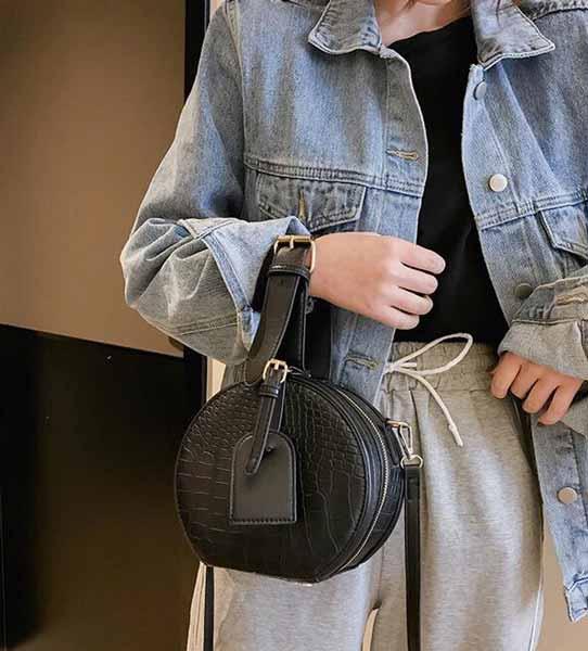 inspirasi hijab bagi pemula - Canteen bag