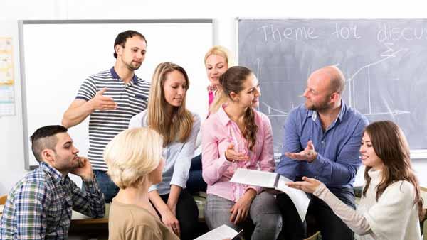 Hal-hal Yang Perlu Dipertimbangkan Dalam Menentukan Tempat Kuliah - Budaya
