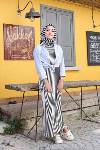 Mix n Match Hijab Terkini Yang Instagramable - Mix n match hijab dan striped dress