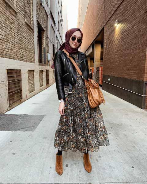 Mix n Match Hijab Terkini Yang Instagramable - Mix n match maxi dress dan jaket kulit