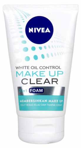 Rekomendasi Sabun Wajah Yang Bagus Untuk Kulit Berminyak - NIVEA Make Up Clear White Oil Control Foam