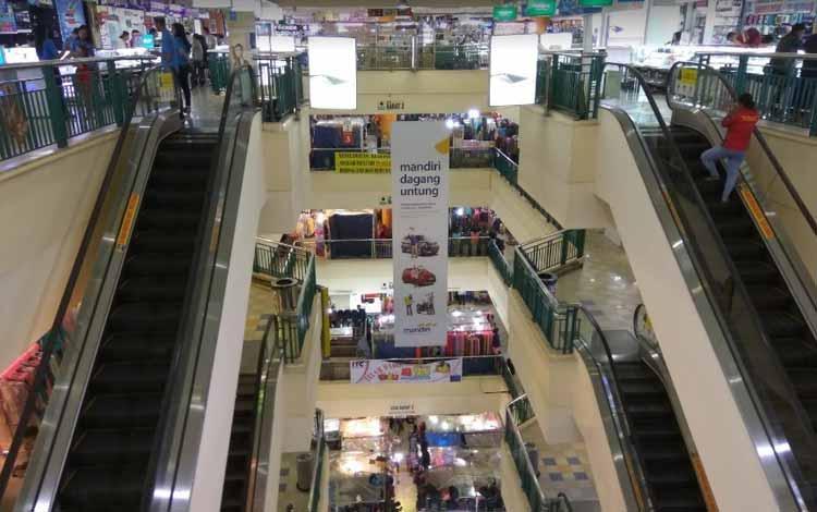 Surga Tempat Belanja Fashion Yang Murah Di Jakarta - Bagian Dalam ITC Cempaka Mas
