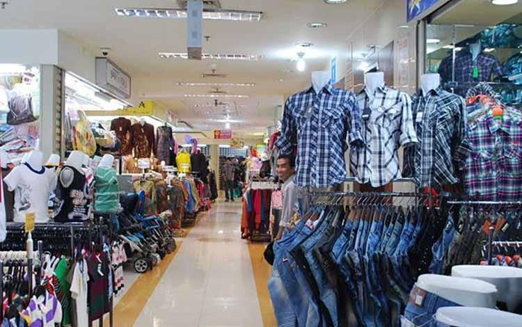 Surga Tempat Belanja Fashion Yang Murah Di Jakarta - Bagian Dalam Pusat Grosir Cililitan