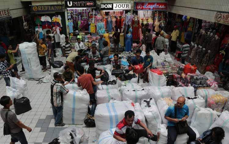 Surga Tempat Belanja Fashion Yang Murah Di Jakarta - Pasar Cipulir