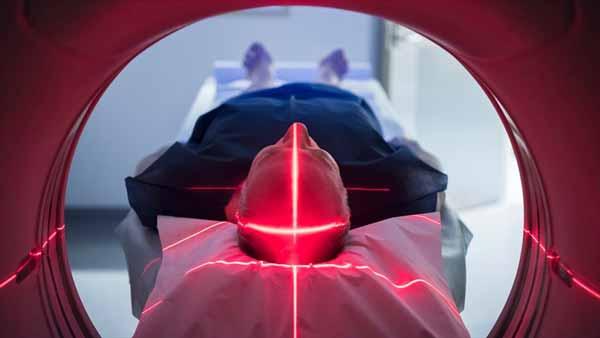 Alasan Mengapa Sebaiknya Kamu Jangan Bertato - Tato bisa memengaruhi pemeriksaan Magnetic Resonance Imaging