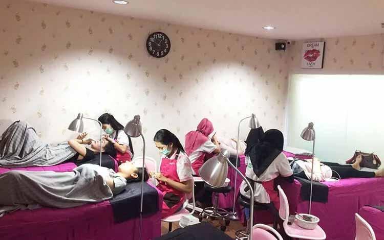 Beauty Salon Yang Bagus Di Bandung - Joanne Studio