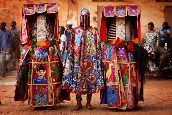 Daftar Pakaian Tradisional Terunik Di Dunia - Busana Egungun - Yoruba, Nigeria