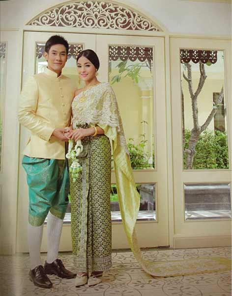 Daftar Pakaian Tradisional Terunik Di Dunia - Chut Thai dan Phraratchathan, Pakaian Tradisional Thailand