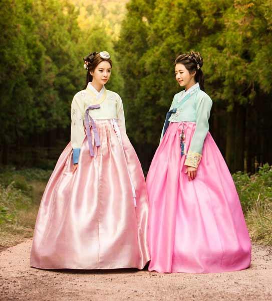 Daftar Pakaian Tradisional Terunik Di Dunia - Hanbok - Korea