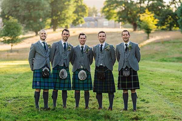 Daftar Pakaian Tradisional Terunik Di Dunia - Kilts - Skotlandia