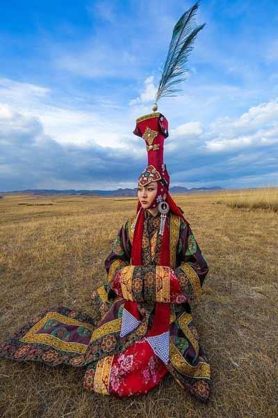 Daftar Pakaian Tradisional Terunik Di Dunia - Pakaian Tradisional Mongolia