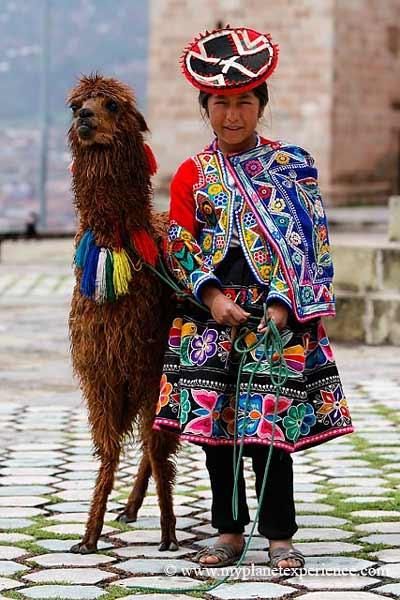 Daftar Pakaian Tradisional Terunik Di Dunia - Pakaian Tradisional Peru