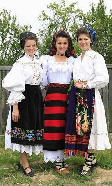 Daftar Pakaian Tradisional Terunik Di Dunia - Pakaian Tradisional Romania