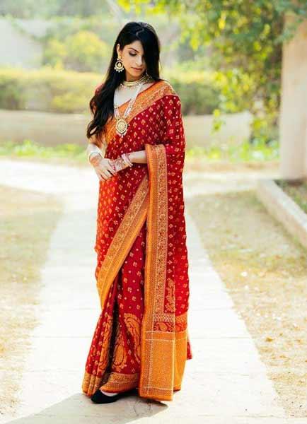 Daftar Pakaian Tradisional Terunik Di Dunia - Sari - India
