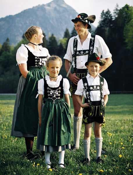 Daftar Pakaian Tradisional Terunik Di Dunia - Tracht - Jerman dan Austria