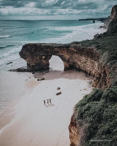 Pantai Terindah Di Indonesia - Pantai Bawana
