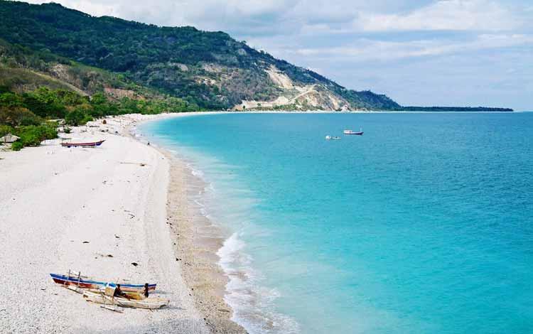 Pantai Terindah Di Indonesia - Pantai Kolbano