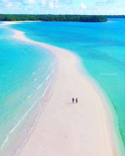 Pantai Terindah Di Indonesia - Pantai Ngurtafur
