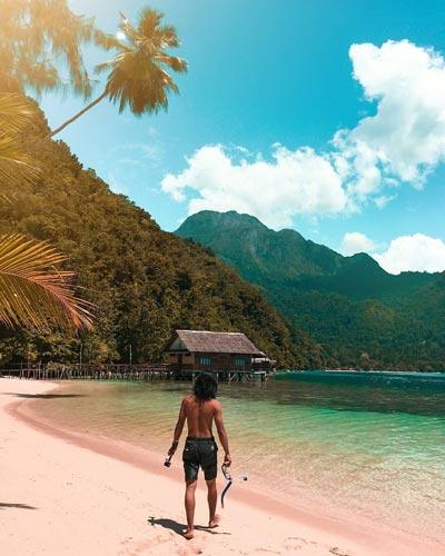 Pantai Terindah Di Indonesia - Pantai Ora