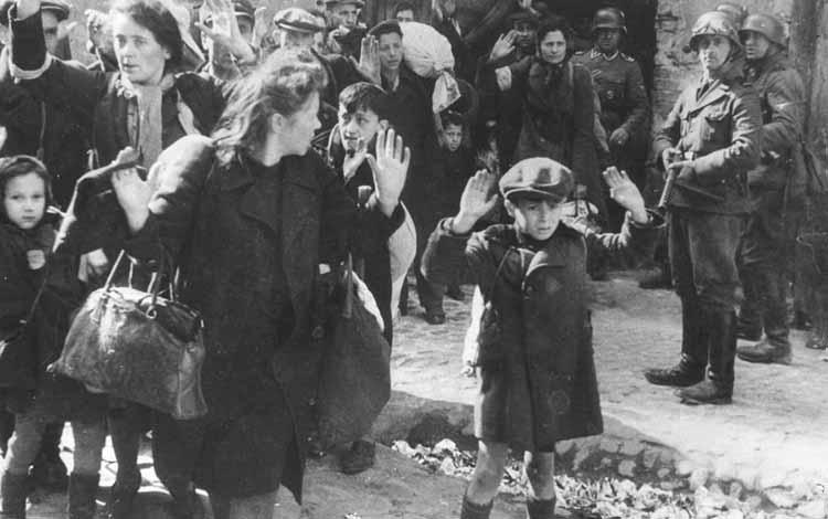 Pembunuhan Massal Terbesar Sepanjang Sejarah - Holocaust