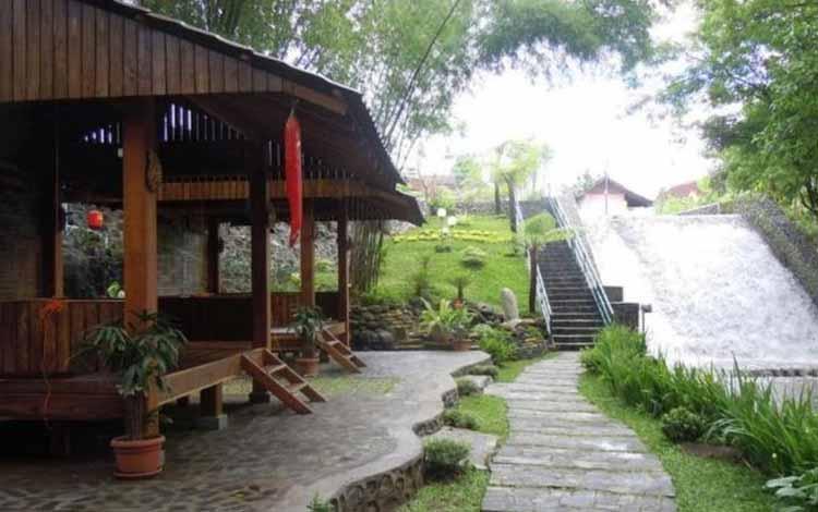 Tempat Makan atau Restoran Dengan Nuansa Alam Di Jogja - Pelem Golek Resto
