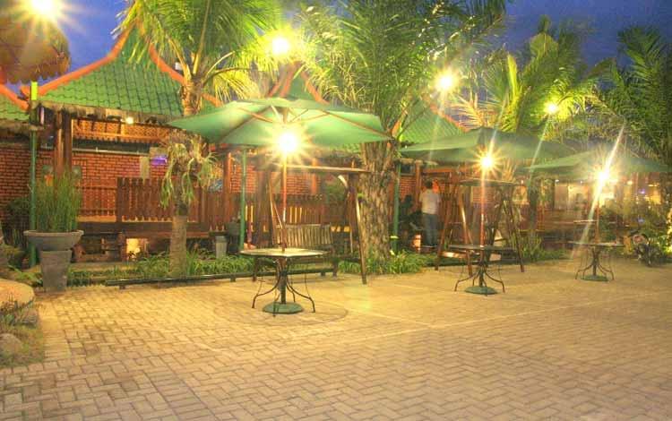Tempat Makan atau Restoran Dengan Nuansa Alam Di Surabaya - Kebon Kota