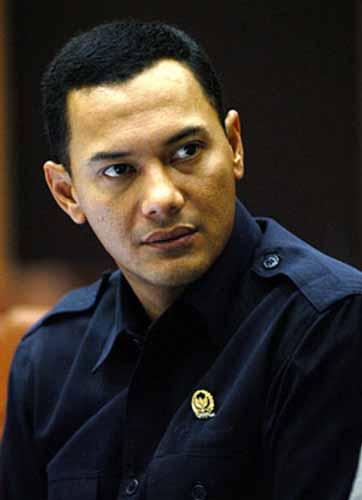 Artis Indonesia Yang Kematiannya Mengagetkan Publik - Adjie Massaid