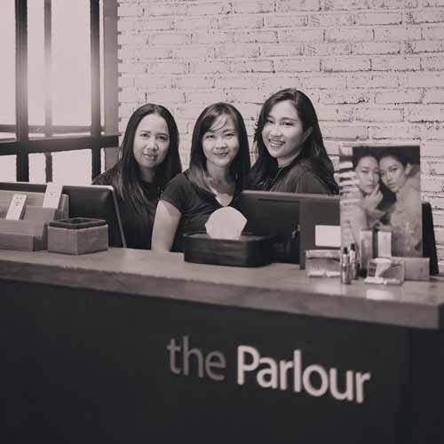 Beauty Salon Yang Bagus Di Surabaya - The Parlour Hairdressing
