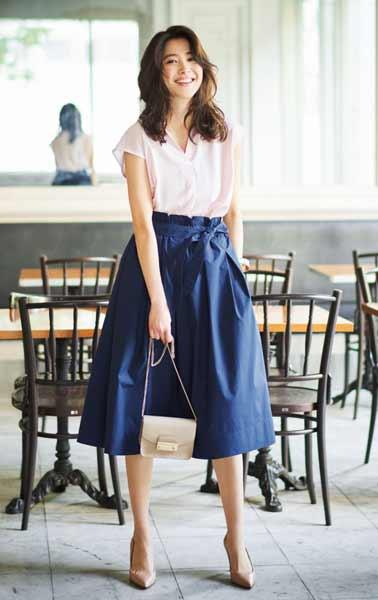 Outfit Of The Week Tampil Cantik Dan Menawan Dengan Perpaduan Basic Blouse Dan Bow Skirt