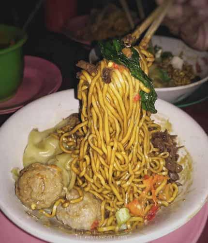 Rekomendasi Mie Ayam Terenak Di Jakarta - Mie Blo'on