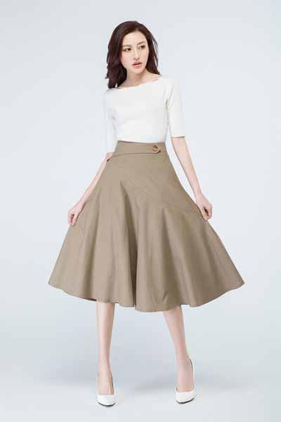 Aneka Jenis Bawahan Wanita Yang Trendi Yang Bisa Kamu Coba - A-line skirt
