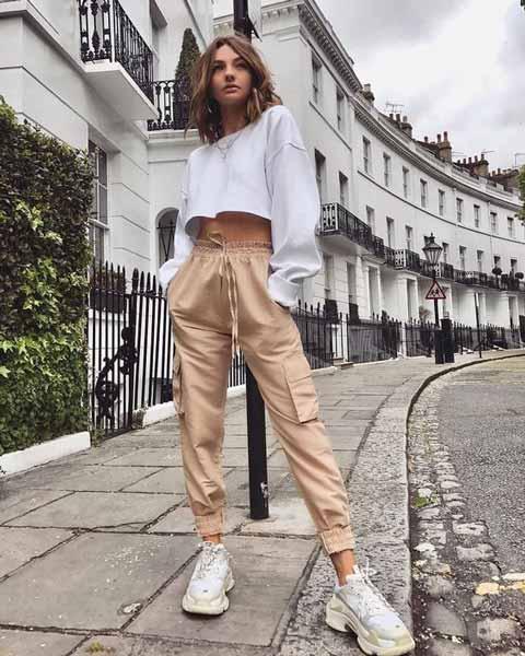Aneka Jenis Bawahan Wanita Yang Trendi Yang Bisa Kamu Coba - Cargo pants