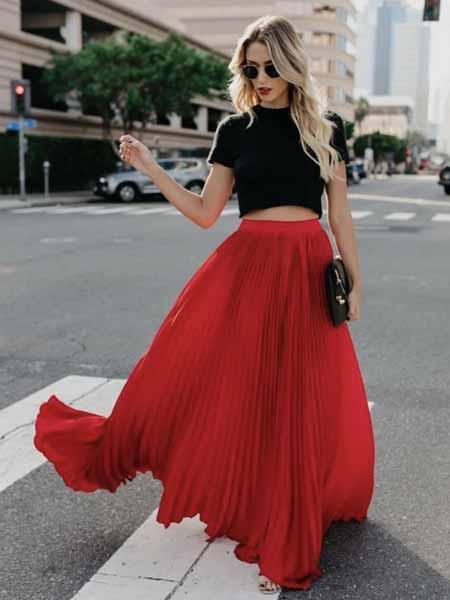 Aneka Jenis Bawahan Wanita Yang Trendi Yang Bisa Kamu Coba - Maxi skirt