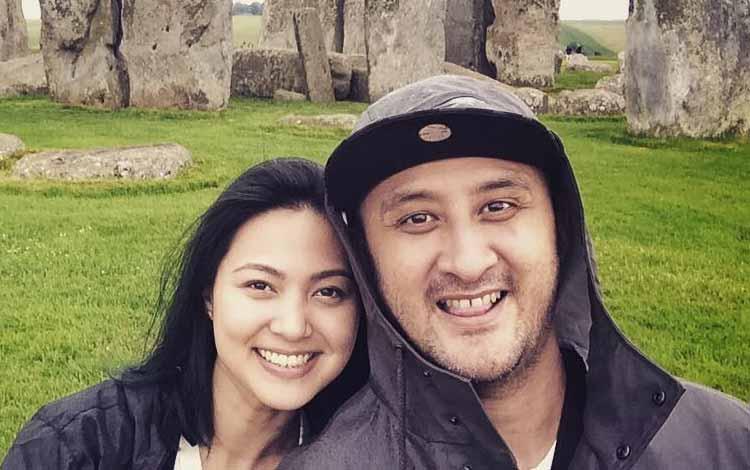 Artis Indonesia Yang Menikah Beda Agama - Aqi 'Alexa' dan Audrey Stephanie Meirina