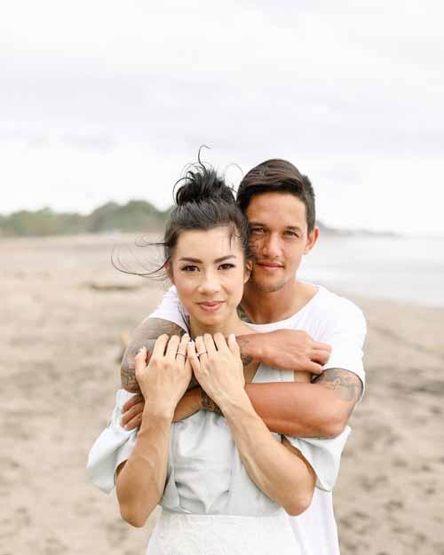 Artis Indonesia Yang Menikah Beda Agama - Irfan Bachdim dan Jennifer Bachdim