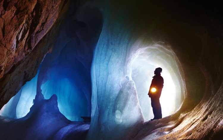Goa Menakjubkan Di Dunia - Goa Eisriesenwelt Ice, Austria