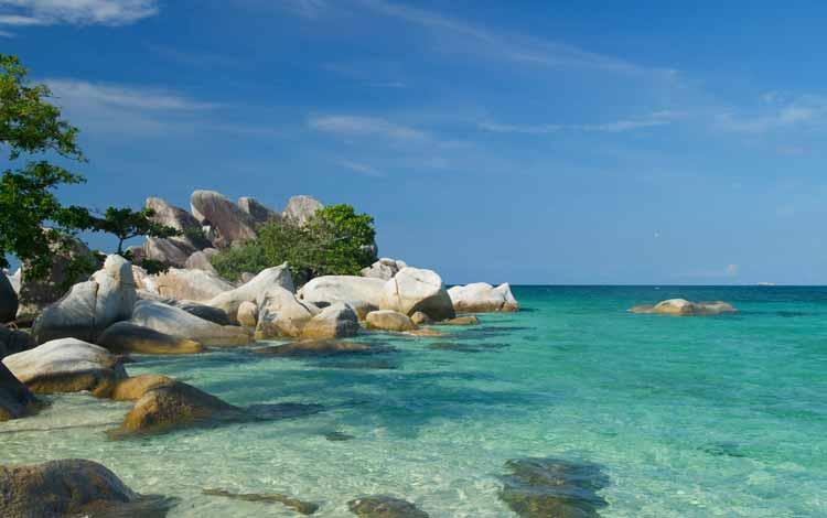 Pantai Indonesia Yang Tak Kalah Indah Dari Maldives - Pantai Tanjung Kelayang