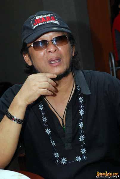 Pencipta-Lagu-Indonesia-Yang-Karyanya-Sering-Menjadi-Hits-Deddy-Dores
