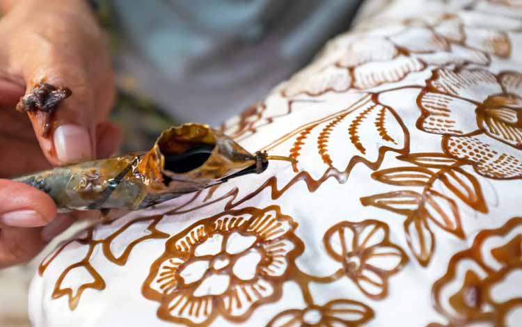 Peristiwa-pertistiwa Penting Yang Tejadi Di Bulan Oktober - Hari Batik Nasional