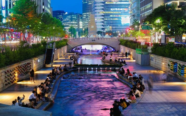 Tempat wisata terpopuler di Korea Selatan - Cheonggyecheon Stream