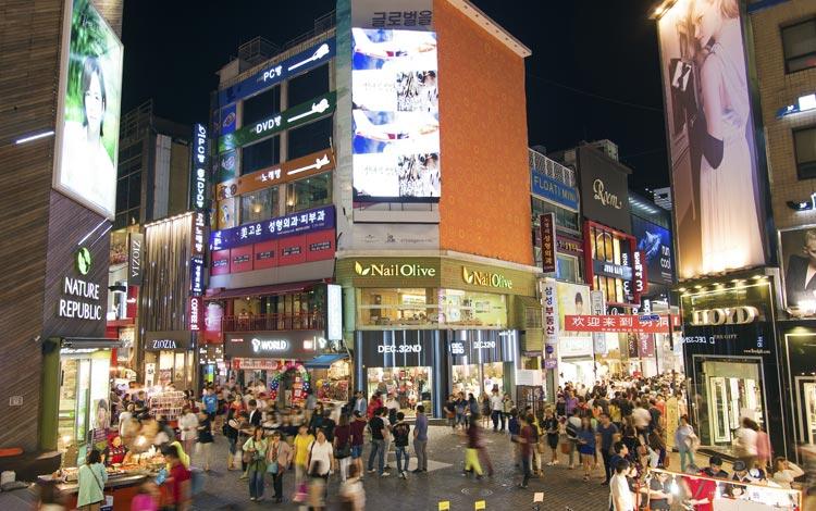 Tempat wisata terpopuler di Korea Selatan - Myeongdong