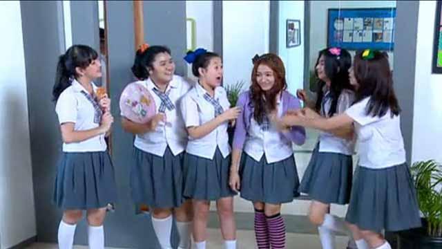 Adegan Yang Sering Dijumpai Di Sinetron Indonesia - Geng Sekolah