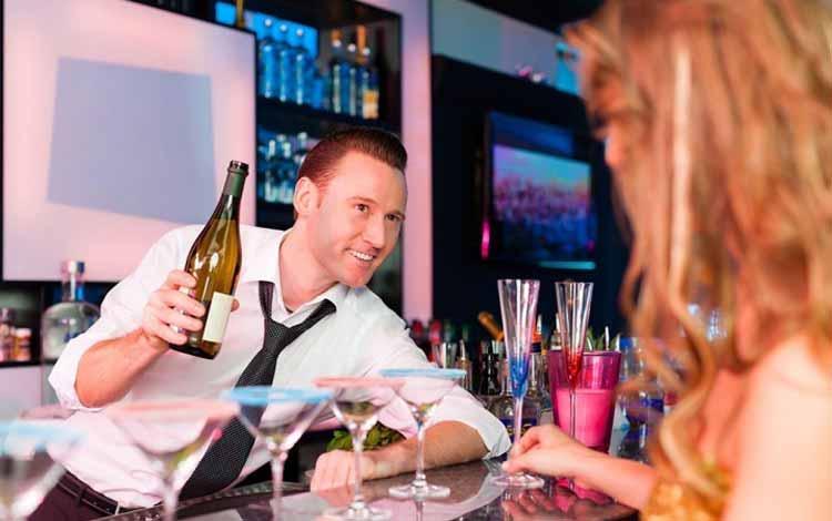 Deretan-Pekerjaan-Yang-Sangat-Rawan-Untuk-Selingkuh-Industri-hiburan-di-malam-hari-melibatkan-pekerjaan-seperti-DJ-penari-bartender