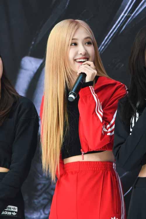 Foto Rose Blackpink Saat Di Acara Adidas Ultraboost, Hangul Limited Edition Korea Selatan
